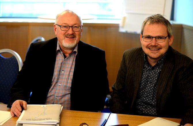 Generalsekretær Rune Hetland og nyvalgt styreleder Roar Osmundsen i Landslaget for Lokalaviser. Fra landsmøtet i april 2015.