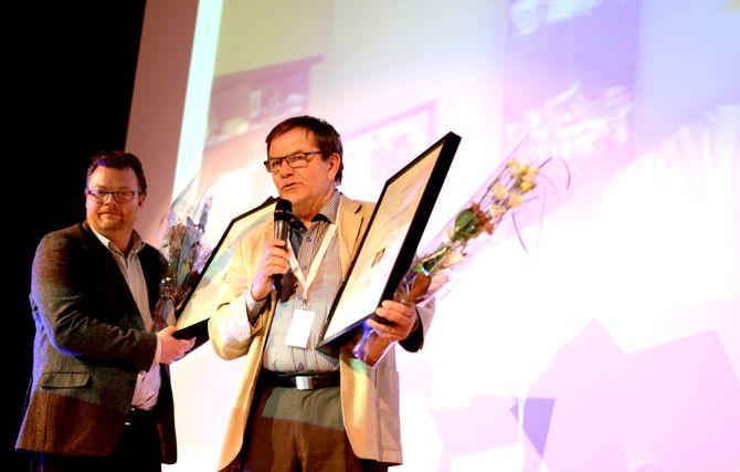 Ingen av fotoprisvinnerne var til stede selv, men diplomene ble tatt i mot av henholdsvis Tor Halvorsen for Hordaland, og Erik Øsmundset i Eidsvoll Ullensaker Blad.