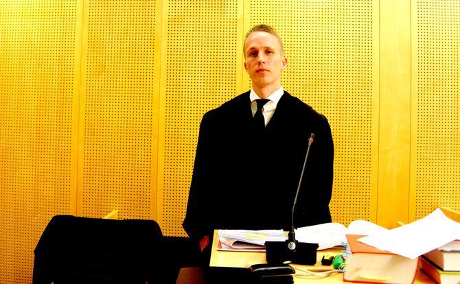 JOBBER GRATIS: Advokat Bjørn Aksel Henriksen (bildet) og hans kollega Øyvind Sterri har tatt saken «pro bono».
