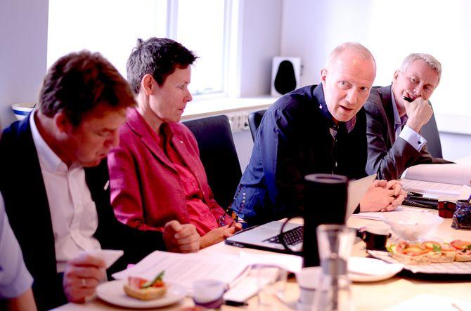 ARNE JENSEN, generalsekretær i Norsk Redaktørforening, snakker.