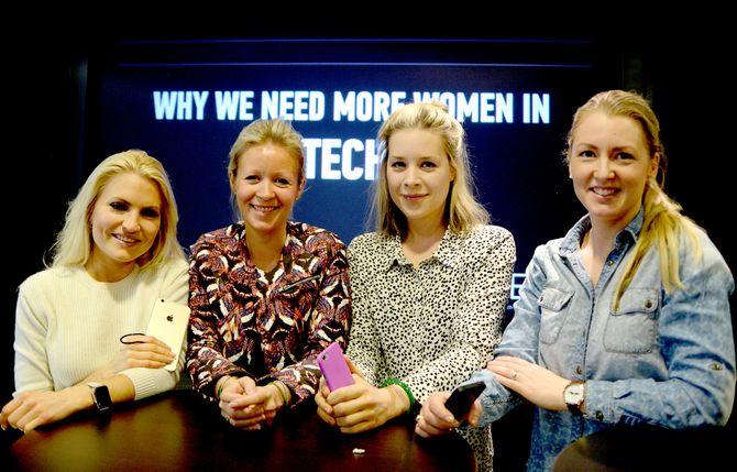 VIL BLI FLERE: Tech-interesserte medie-damer i TENK vil ha flere teknoligi-interesserte kvinner. Fra venstre; Isabelle Ringnes, Ida Barth Anderssen, Camilla Bjørn og Louise Fuchs.
