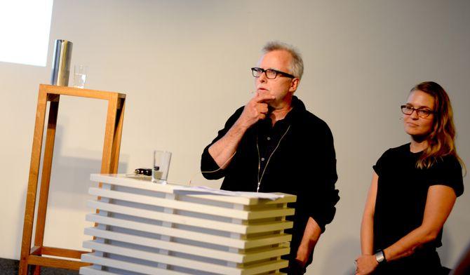 FRED HAUGE og GRO LARSSON fra Hyper presenterte ideen til Vaktbikkjene.no på debattmøte hos Oslo Redaktørforening onsdag.