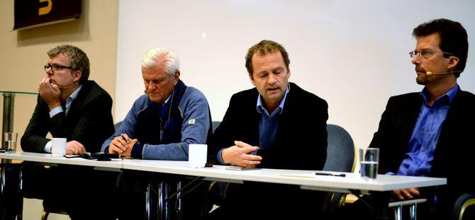 Debatt på Gull & Gråstein-konferansen i helga, fra venstre: Jon Hustad, Frode Rekve, NRKs utenriksredaktør Knut Magnus Berge - og Håkon Fenstad fra UDI.