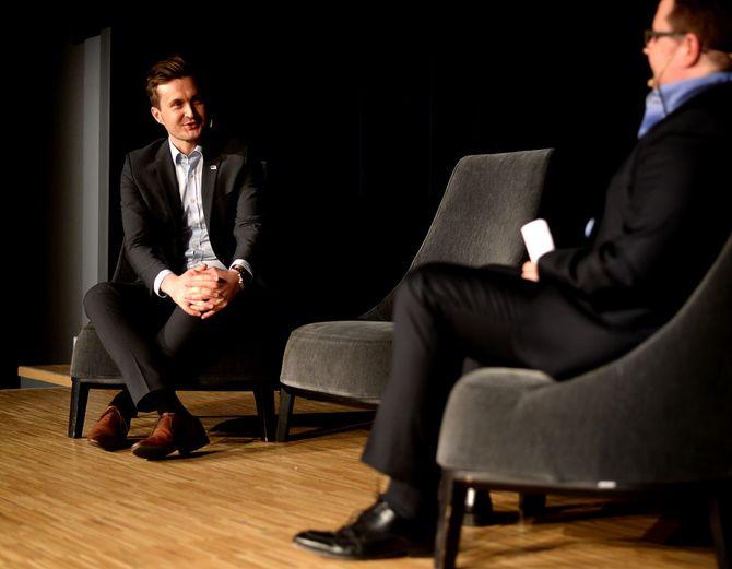 Hans Christian Hansson i samtale med Morten Kræmer.