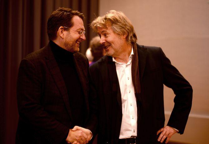 Discovery-sjef Harald Strømme og VG-sjef Torry Pedersen - her under presentasjon av fotballavtalen, desember 2015. (Arkivfoto: Gard L. Michalsen)