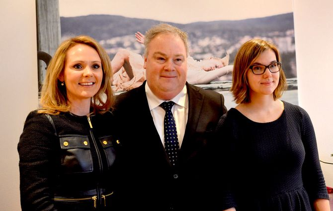 Kulturministeren presentere før jul sin nye stab. Fra venstre: Kulturminister Linda Cathrine Hofstad Helleland, statssekretær Bård Folke Fredriksen og politisk rådgiver Maria Kristine Göthner.