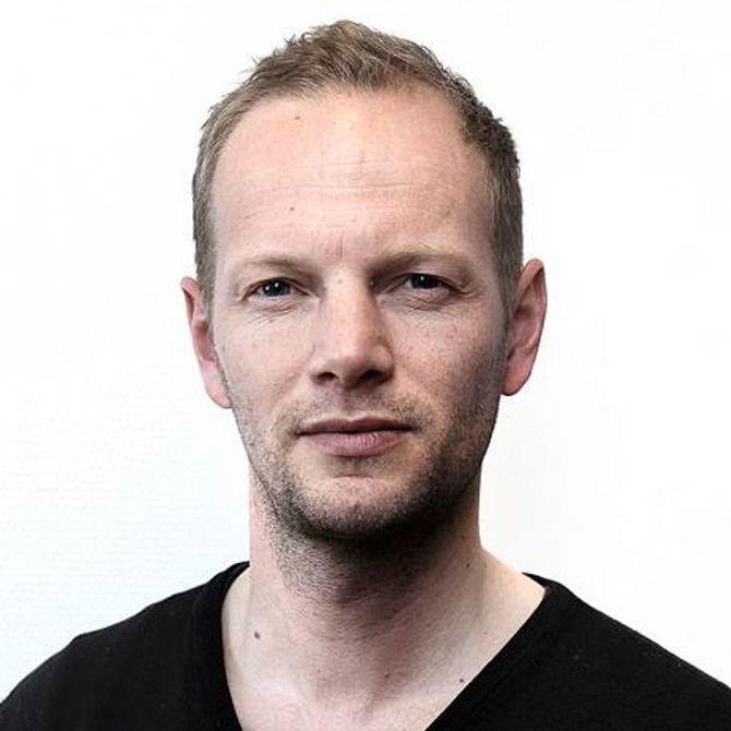 FREDRIK DREVON, journalist, frilanser og mediekritisk spaltist.