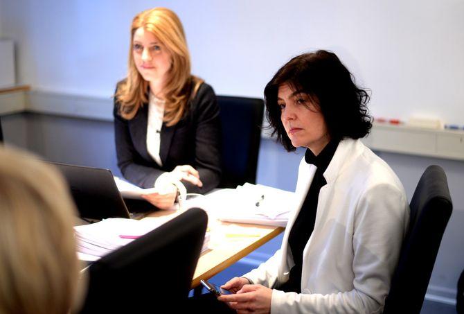 PFUs nestleder Alexandra Beverfjord (t.v.) og generalsekretær Kjersti Løken Stavrum i Norsk Presseforbund. (Arkivfoto: Gard L. Michalsen)