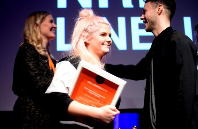 LINE ELVSÅSHAGEN og NRK P3 fikk pris for årets beste sosiale medier-kampanje.