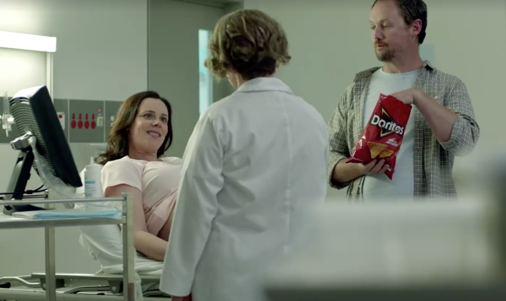 (Screenshot: Fra Doritos reklamefilm til Super Bowl)