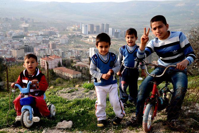 Noen barn jeg møtte på reportasjetur i Mardin, sørøst-Tyrkia. (Foto: Fredrik Drevon)