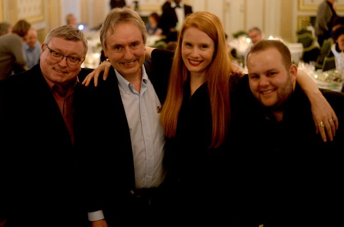PRISVINNERE, fra venstre: Ole Petter Pedersen, Helge Simonnes, Susanne Kaluza og Gard L. Michalsen. (Foto: Reidun K. Nybø)