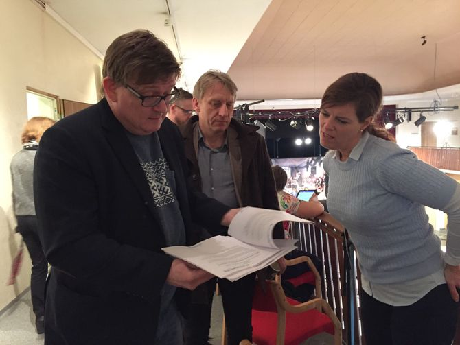 Fra venstre: Lars M. J. Hansen og Magne Storedal fra Romerikes Blad, til høyre Hilde Garlid fra Jærbladet.