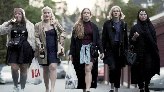 TV-serier som «Skam», «Nobel», «Frikjent» og «Aber Bergen» har fått gode seertall i høst, men Arbeiderpartiet mener regjeringen må gjøre langt mer for å få fram norske TV-serier.
