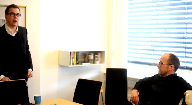 VIL BYGGE VIDERE: Dagsavisen ønsker flere eiere enn Mentor Medier på laget, for å utvide utgavemodellen med flere aviser og satelitter i andre byer. Til venstre: Dagsavisens publisher Eirik Hoff Lysholm, til høre Mentor-sjef Per Magne Tveiten.