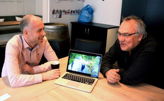 Utviklingsredaktør Trygve Sørvaag i ABC Startsiden og redaktør Tor Strand i ABC Nyheter forteller om dyre-TV.