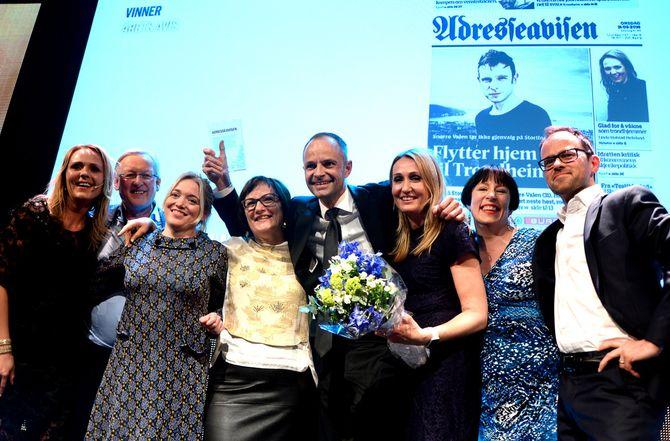 Adresseavisen fikk pris under MBLs medieprisfest i Bergen onsdag kveld. (Foto: Gard L. Michalsen)