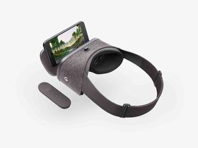 Den nye VR-appen er i utgangspunktet designet for Googles egen Daydream-plattform. Dette er de tilhørende Daydream View-brillene.