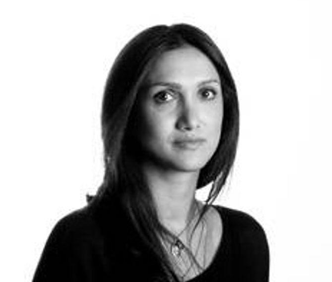 MINA GHABEL LUNDE, journalist i Dagens Næringsliv.