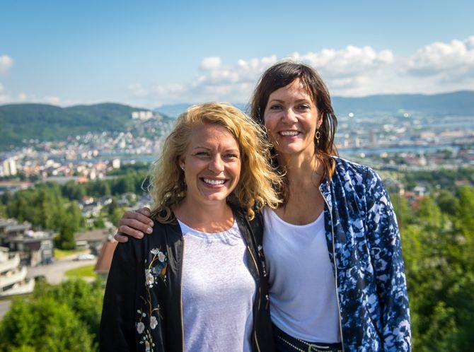 Janne Sundelius Braathen og Kristin Monstad - to av tre kvinner i DTs redaktørgruppe. (Arkivfoto)