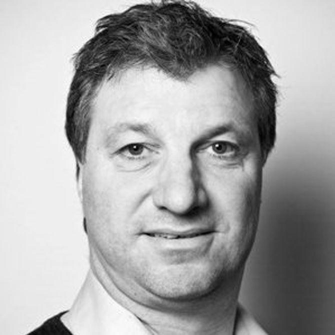 OLE JOHAN SJAASTAD, kommersiell direktør i Dagens Næringsliv.