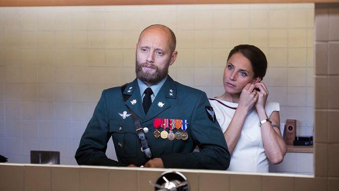NOBEL: Løytnant Erling Riiser (Aksel Hennie) og Johanne Riiser (Tuva Novotny).
