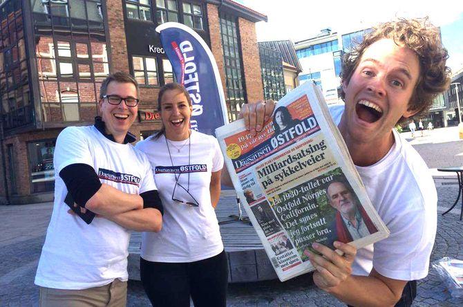 LANSERTE AVIS: Lasse Hansen (t.h.), Elisabeth Skovly - og publisher Eirik Hoff Lysholm i september. (Foto: Dagsavisen)