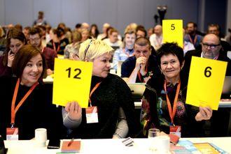 Hvem blir nestleder? Her tre av landsstyremedlemmene som kan være aktuelle: Katrine Strøm (f.v.), Henrikke Helland og Britt-Ellen Negård. Bildet er fra forrige landsmøte, våren 2015.