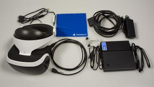 Her er det som følger med i PlayStatio VR-pakken (uten demo-disk og manual). Merk deg at verken PlayStation Camera eller PlayStation Move-kontrollere er med, og må derfor kjøpes separat. .