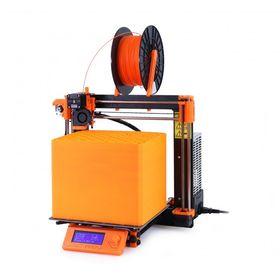 Original Prusa i3 MK2. De orange delene på skriveren er produsert på den samme skriveren.