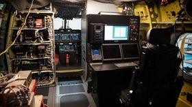 Den nye operatørkonsollen i kabinen på det tredje norske AW101.