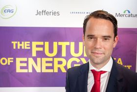 Colin McKerracher, leder for avansert transport i analyseselskapet Bloomberg New Energy Finance.