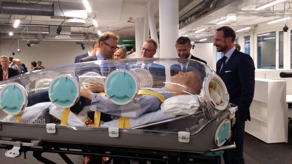 Storfint besøk: Vår gründer-interesserte kronprins Haakon, helseminister Bent Høie og byrådsleder Raymond Johansen fulgte spent med under åpningen av den nye helseinkubatoren Aleap i Forskningsparken i Oslo.