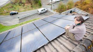 Svenske skapte rabalder med leserbrev om solcelle-trøbbel. Her er utfordringene norske kunder møter på