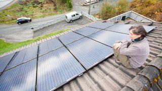 Her har de løst et 25 år gammelt problem med solcellepaneler