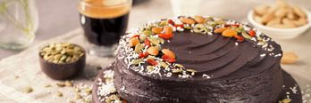 En saftig sjokoladekake som denne får bein å gå på