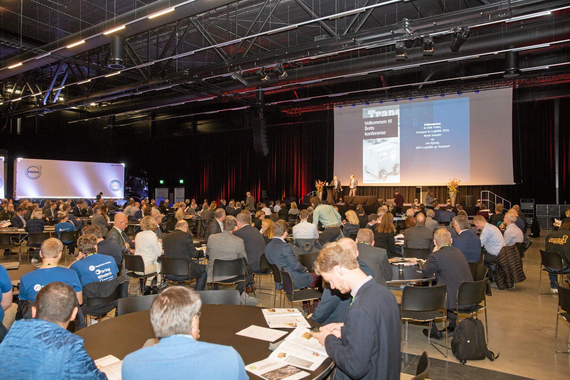 Over 700 deltakere er på plass i The Cube på Gardermoen.