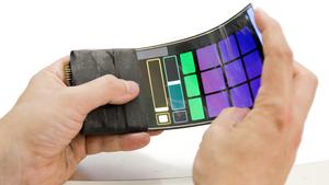 Forskere har laget en telefon som spiller musikk når du bøyer den