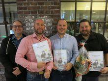 F.v. Veileder Jarle Disen, Finn Blydt-Svendsen, Jan Børge Sagmo og Adam Joshua Armstrong. De tre vant pris fra NITO i Hordaland onsdag.