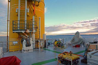Reguleringssystemetsørger for at båten står mest mulig stille også når den legger til ved vindmøllen. Den kan legge til å signifikant bølgehøyde på over to meter.