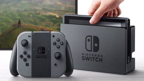 Nintendo Switch kan brukes både på farten og sammen med en TV.