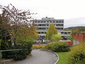 FORESLÅS REVET: Sentrumsbygget kan bli erstattet med flere nye bygg.