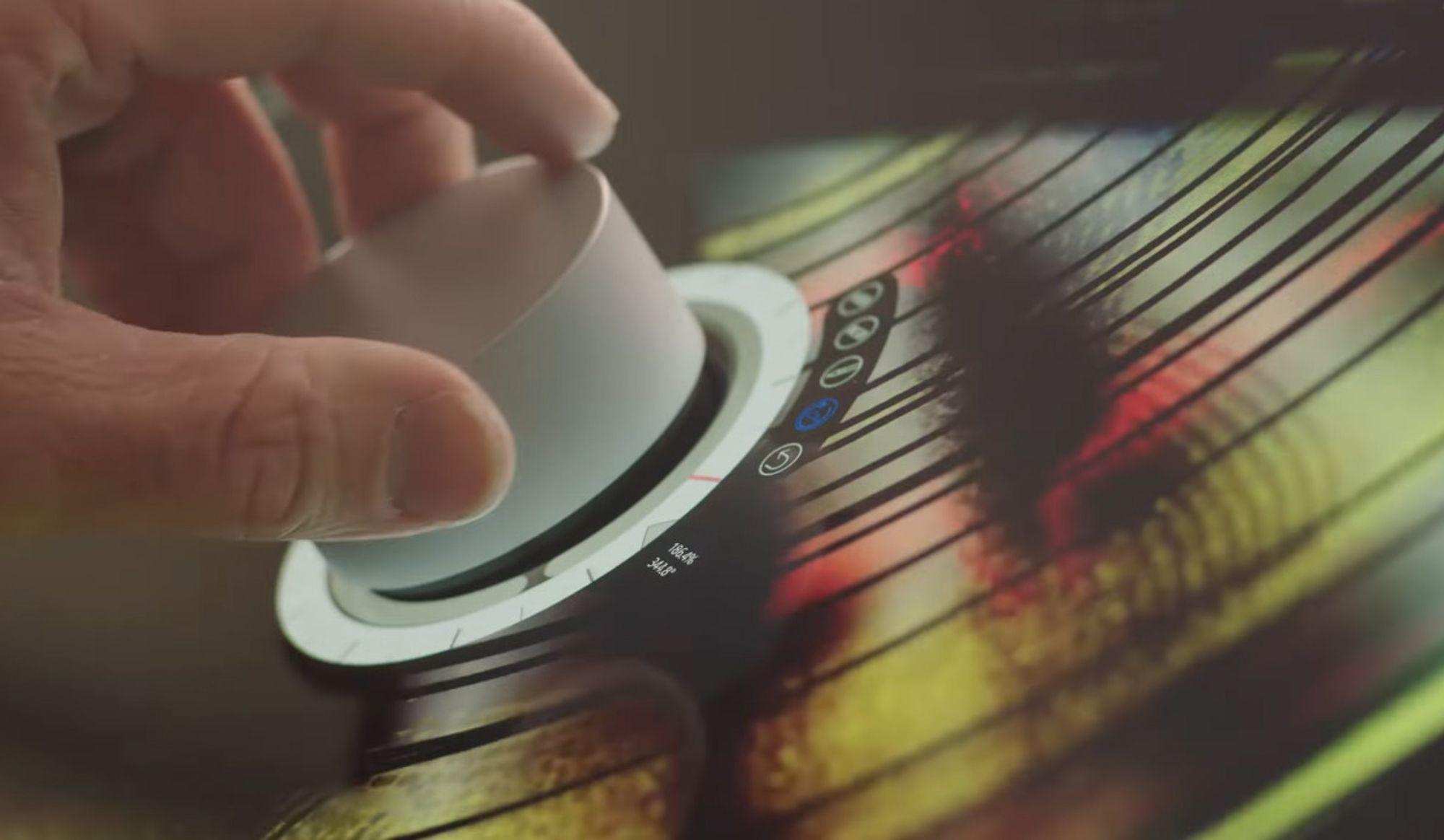 Applikasjonsutviklere kan lage egne brukergrensesnitt som dukker opp når Surface Dial legges på skjermen.
