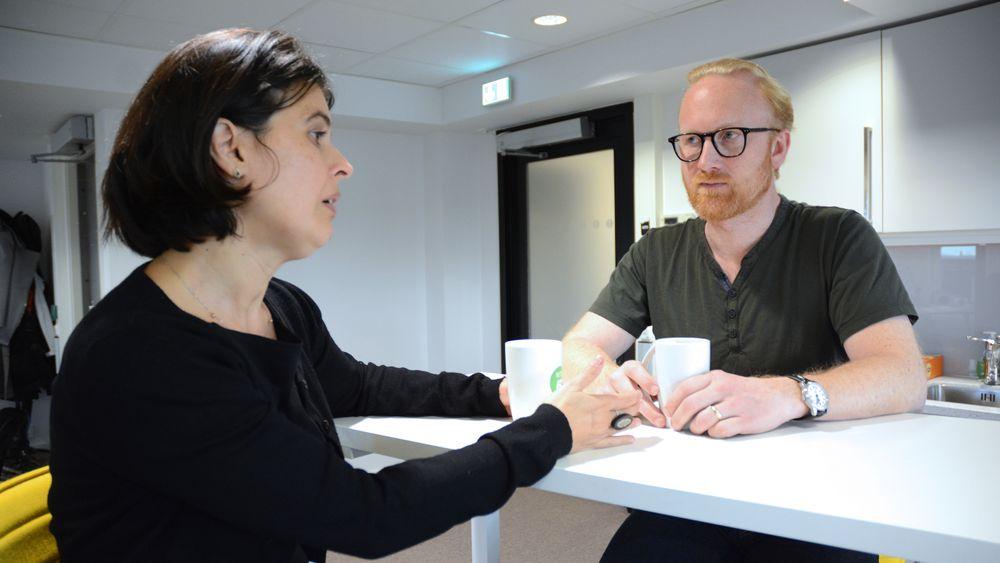 Elena Nistor Sundnes  og Jon Reidar Selsaas er begge arbeidsledige ingeniører. Denne uken har de vært på kurs i regi av Nito, for å stille mest mulig forberedt om de blir kalt inn til jobbintervju. Men med et par hundre søkere på mange av jobbene, er det vanskelig å i det hele tatt å komme så langt.