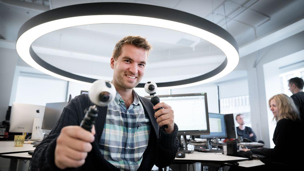 Mathias Klingenberg er en av journalistene som har vært på reportasje med 360/VR-kamera.
