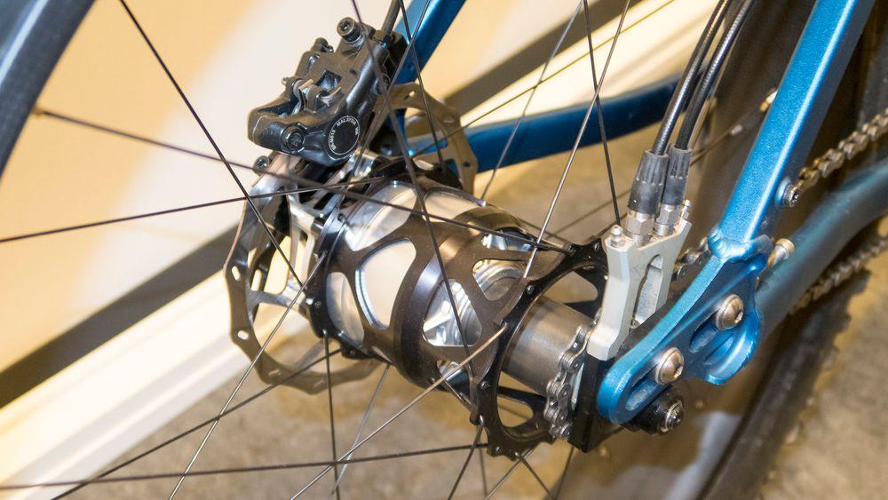 Fat bike: Utgaven for sykler med ekstremt brede dekk er klar. Det er også utgaven for elsykler.