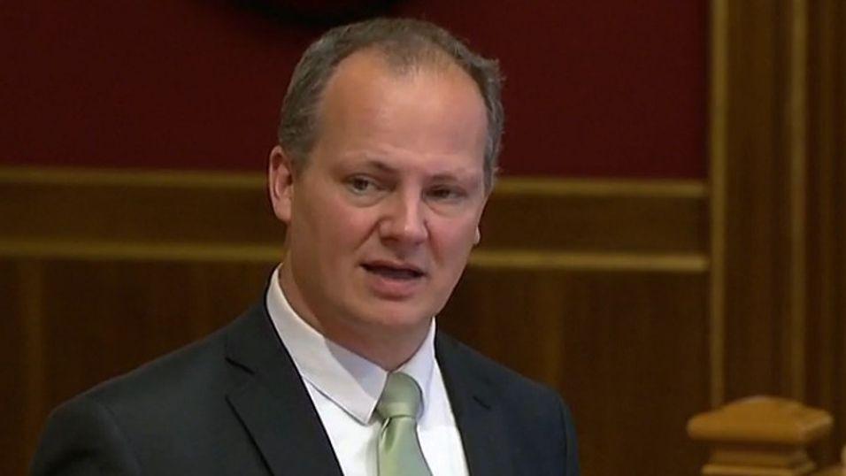 Samferdselsminister Ketil Solvik-Olsen under Stortingets spørretime på onsdag, hvor han sa at kobberstriden skal løses.
