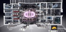 Tokamak: ITER i Frankrike vil blir verdens største Tokamak med en plasmaradius på 6,2 meter og et plasmavolum på 840 kubikkmeter. Her vil plasmaet oppnå en varme på mellom 150 og 300 millioner grader.