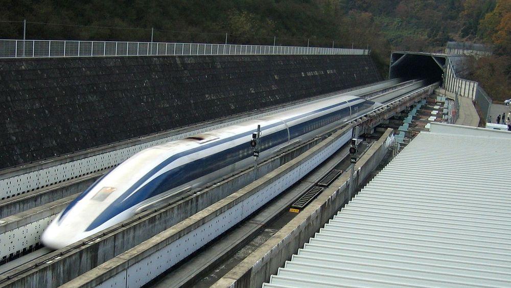 I fjor satte det japanske svevetoget ny fartsrekord på 603 kilometer i timen, om kineserene forter seg med utvikling kan det være slått allerede før det er i drift.
