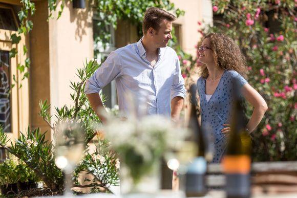 Alexander og kona Heike Gysler driver sammen vingården han arvet etter faren.